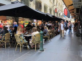 Lower rent Café in Melbourne City, rent $930, Trial no less $8000 pw #30049L