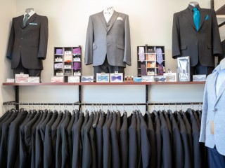 Suit Hire and Sales operating for over 20 years. Services Peel Region and beyond. (PBG)