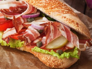 "Subway Carindale Westfield - $140k EBITDA to owner/op! $75,000 for a ""NO NONSENSE"" sale!!!"