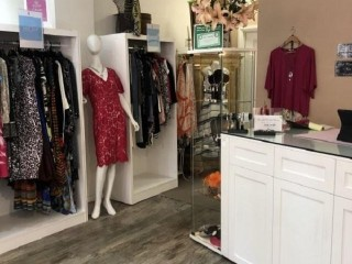 Beautiful Ladies Fashion Boutique - PAG 744D