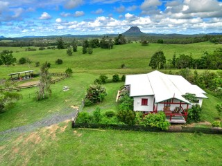 Authentic Country Cottages & Homesteads - BF