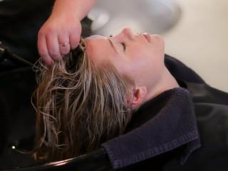 Hairdressing Salon Business For Sale Well Established – Business Ref: 1719