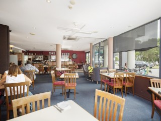 Licensed Restaurant cafe with waterfront outlook, great loyal client base, highly profitable